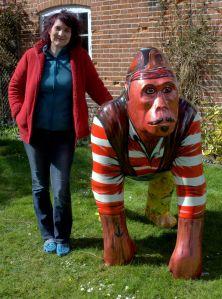 Seamonkey gorilla statue painted frontal cat