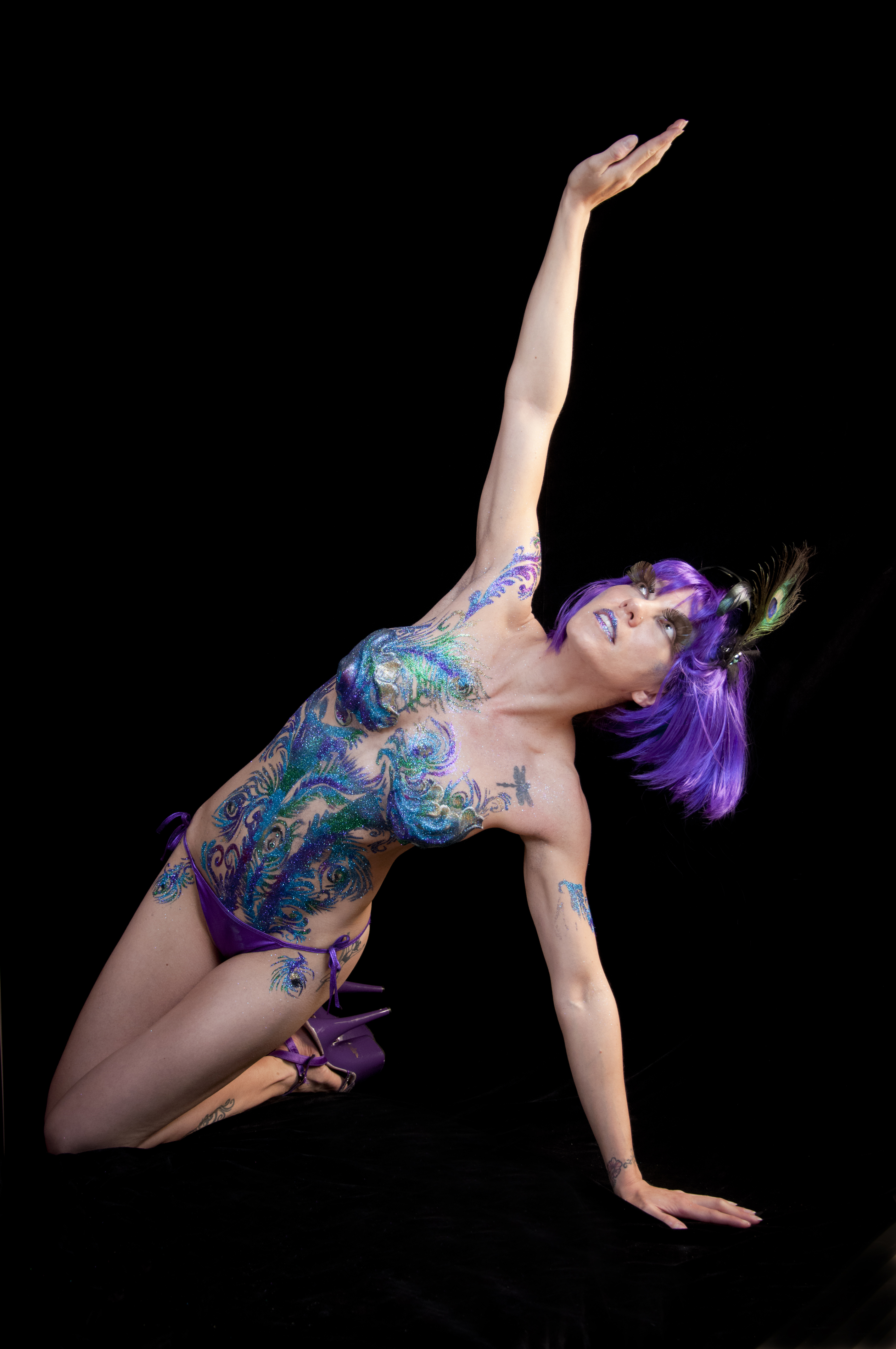 symone body glitter tatt knelt body painting by cat. Black Bedroom Furniture Sets. Home Design Ideas