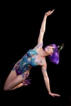 Symone body glitter tatt knelt