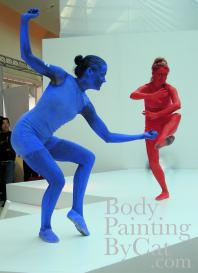 JVC red blue bodypaint statues dance bpc