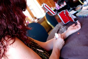 Paintopia cat teaches glitter tatt student Victoria pic