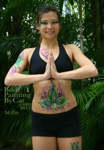 Pat Rocks Yoga glitter tatt smile bpc
