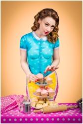 Paintopia vintage cupcake bodypaint shoot Cat arrange