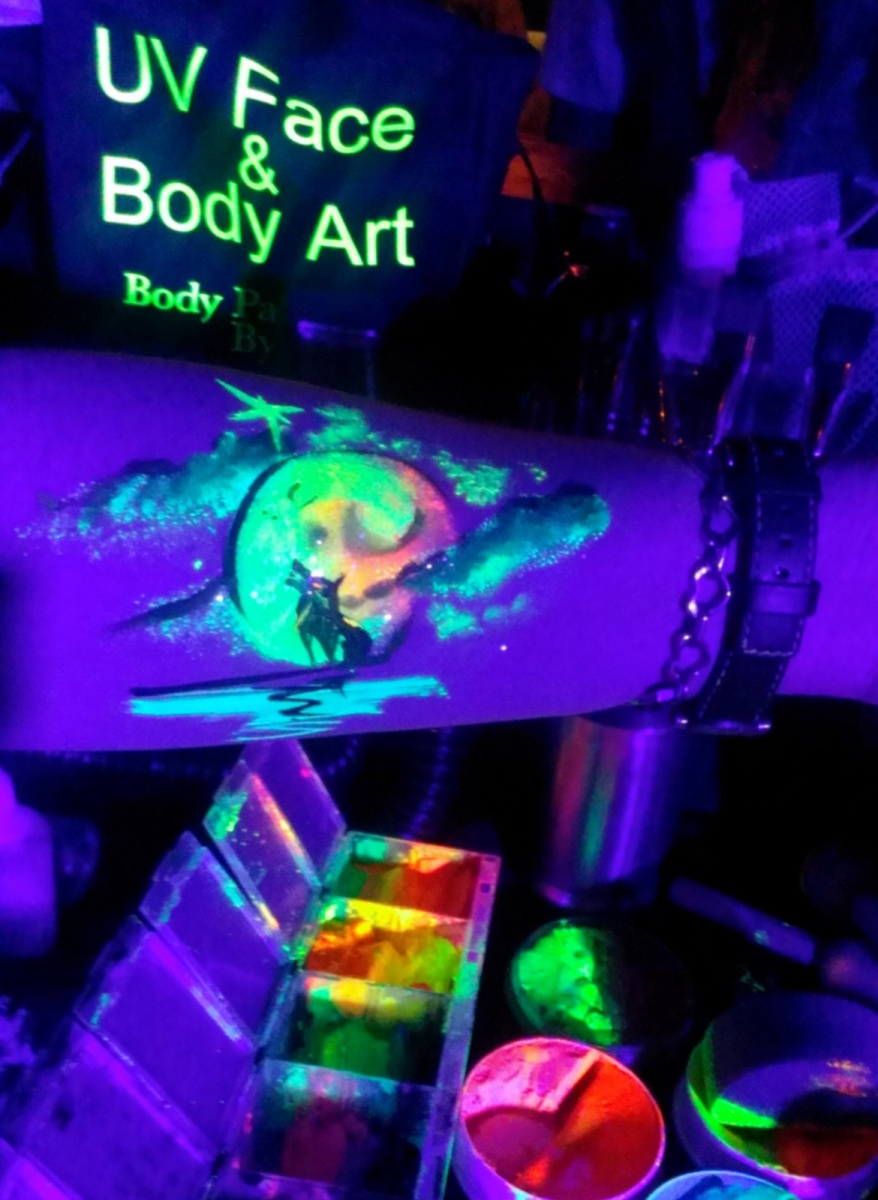 Halloween Face Amp Body Painting In Clubs Amp Uv Body
