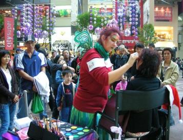 Crowd as Cat demo paints Times Sq HK