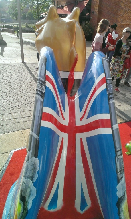 Gogodragon launch 00Mustard inside wing union jack.41