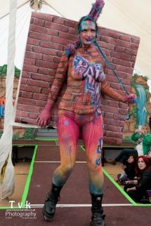 Fanny graffitti camo wall paper paint trompe catwalk squint