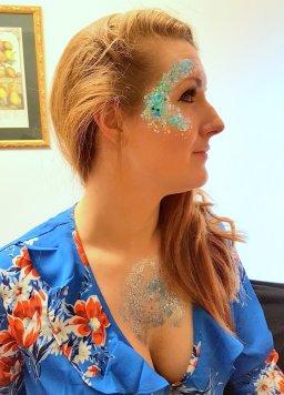 Glitter hen glamdala at farm all blue dress 31 Mar 2018 16-35.26