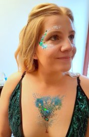 Glitter hen glamdala at farm bride 31 Mar 2018 17-09.35