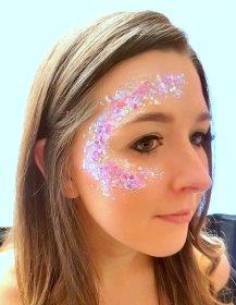 Glitter hen glamdala at farm pink 31 Mar 2018 16-19.11