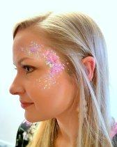 Glitter hen glamdala at farm pinkis 31 Mar 2018 17-13.58